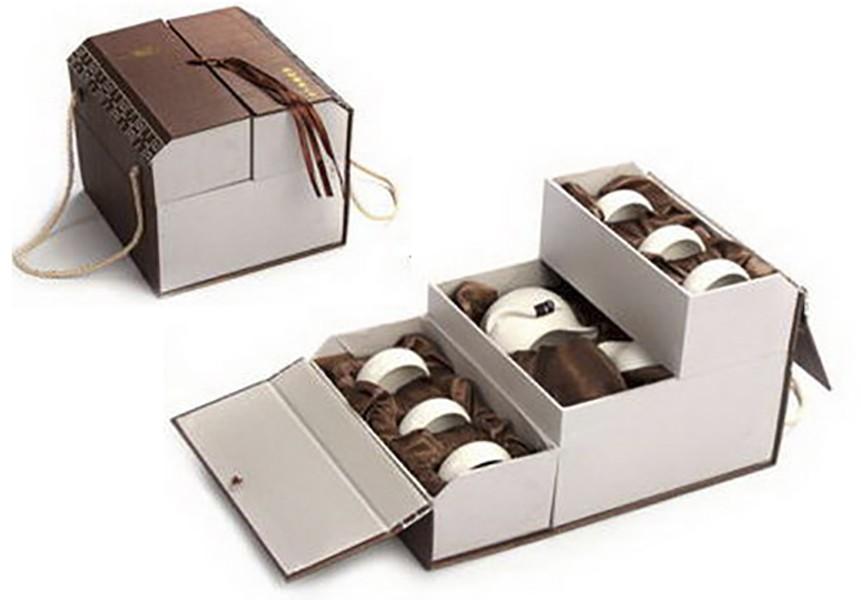 Набор упакован в подарочную коробку