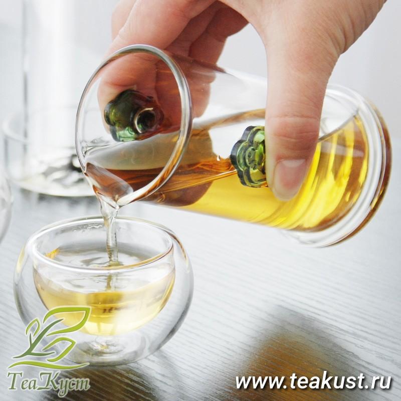 Колба с лепестками для чая создаст неповторимую атмосферу для чаепития