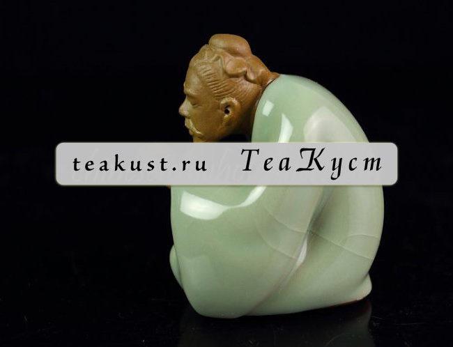 Статуэтка Лу Юй из потресканного фарфора (Мастер Чая)