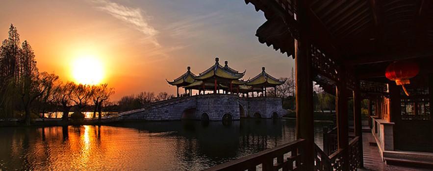 Янчжоу — центр удивительных скульптур и фигурок из нефрита