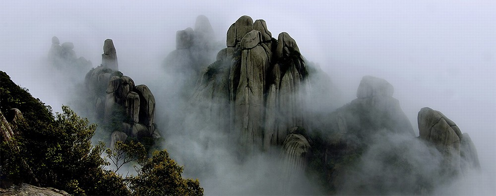 Горы Таиму в провинции Фуцзянь (Китай). Родина чайных кустов подвида Фудин Да Бай.