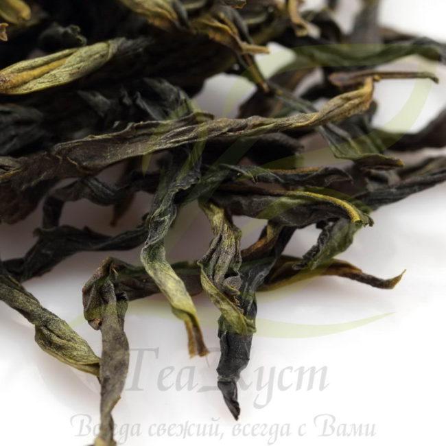 Листья Фэн Хуан Дань Цун Юй Лань Сян источают яркий и незабываемый аромат