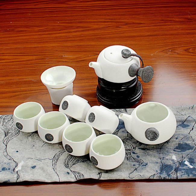 Чайный сервиз «Снежная глазурь» в японском стиле