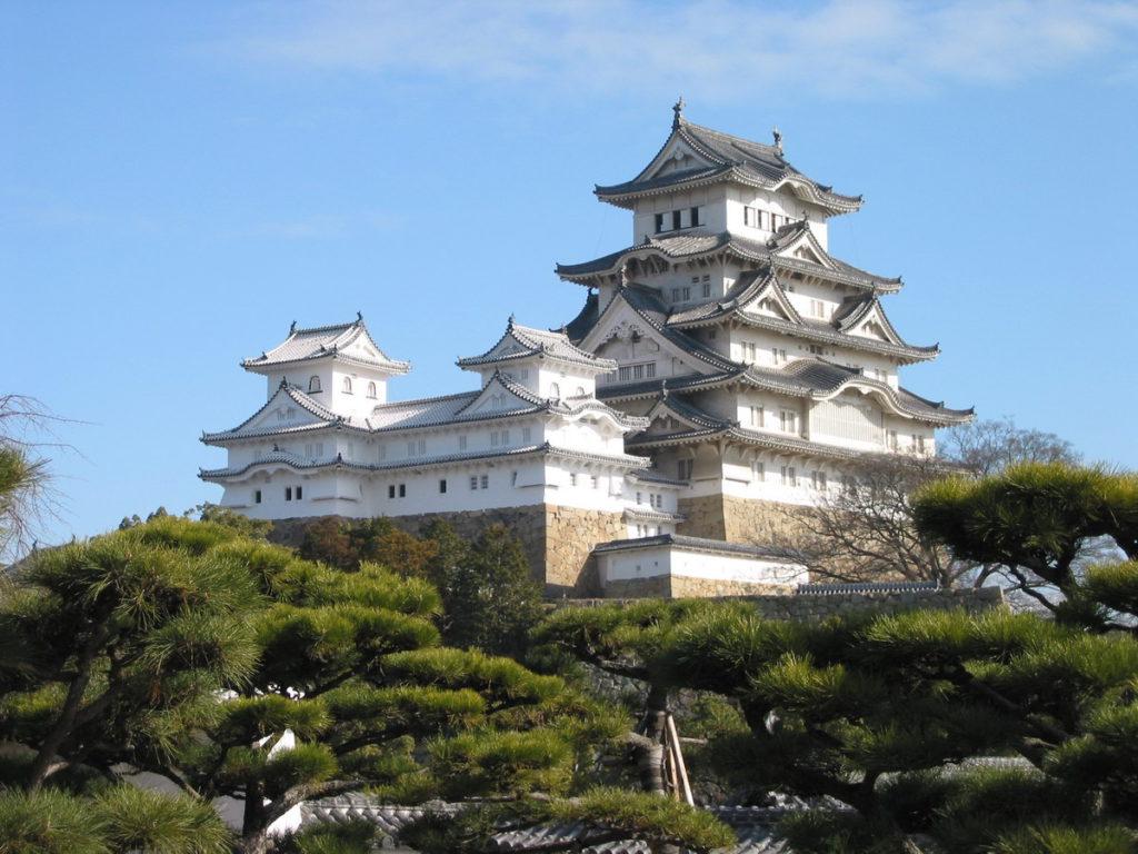 6. Замок Химедзи (Himeji Castle)