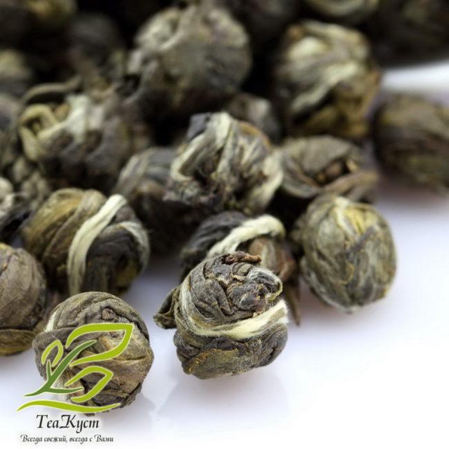 Зелёный чай Жасминовая Драконья жемчужина в увеличении